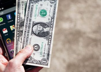 How to Make Some Extra Cash Using Your Smartphone